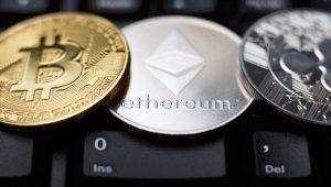 Bitcoin (BTC), Ethereum (ETH), Ripple (XRP): İnişler, Çıkışlar, Tahminler