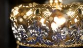 Dolce Gabbana, Elon Musk'a Taç Giydirmek İstiyor! Kripto Kralı Olacak Mı?