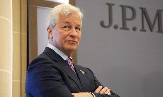 Brian Armstrong ve Mike Novogratz'dan JP Morgan CEO'suna Sert Eleştiri!